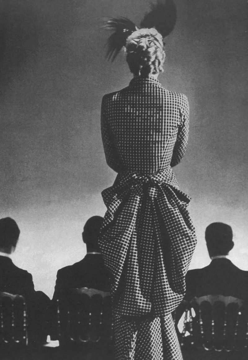 Cristobal Balenciaga's dress, Photographed by George Hoyningen-Huene, 1939.