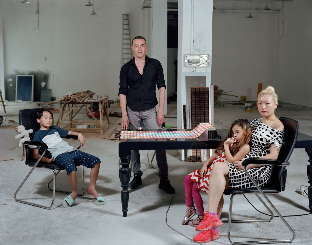 Alain Fouraux pictured with his family by Dana Lixenberg