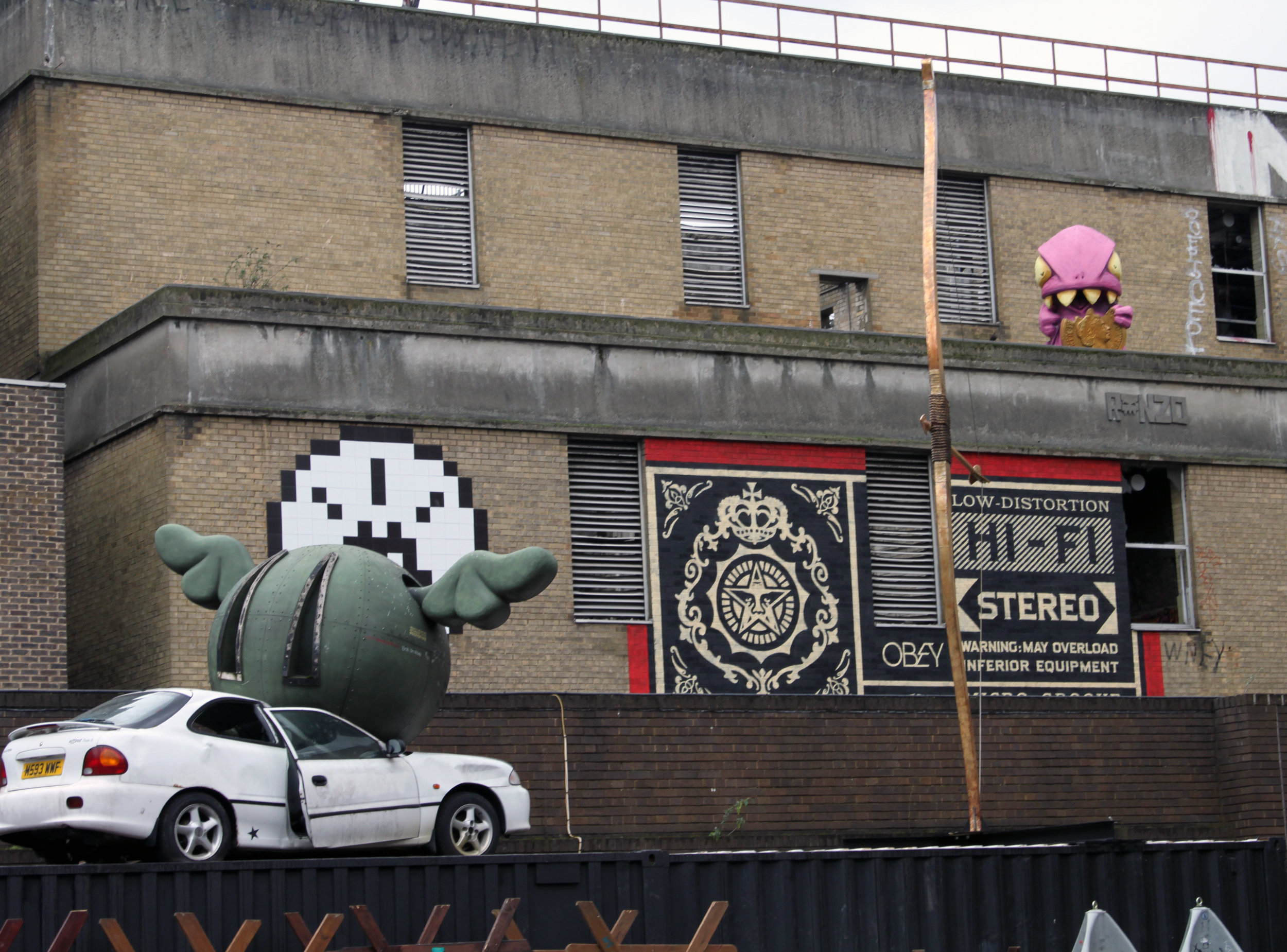 Drone Dog , 2006 in Shoreditch, London by D*Face.