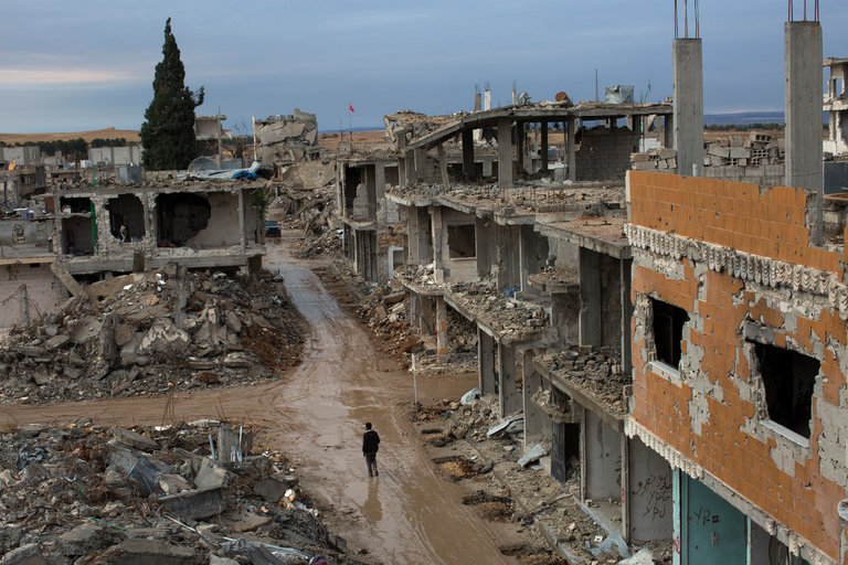 Ten months after coalition airstrikes. Kobani, Syria. Photo by Cre Tyler Hicks for  The New York Times .