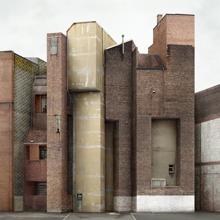 SPATIAL VIOLENCE: ARCHITECTURE OF THE ABSURD