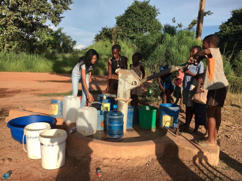 Building wells project. Photo source:  Malaika.org