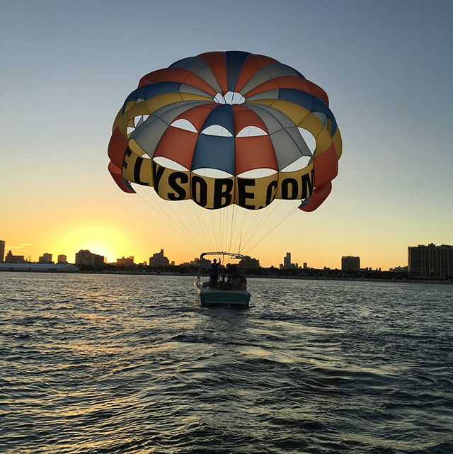 That's a wrap on another beautiful day of #parasailing #southbeach #sunset #miami #lifetimeexperience #seeyoutomorrow