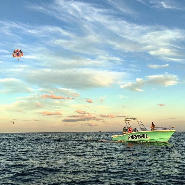 #pictureoftheday #parasailing #whynot #miami #miamibeach #southbeach #cwsboats #customchutes #southbeachparasail