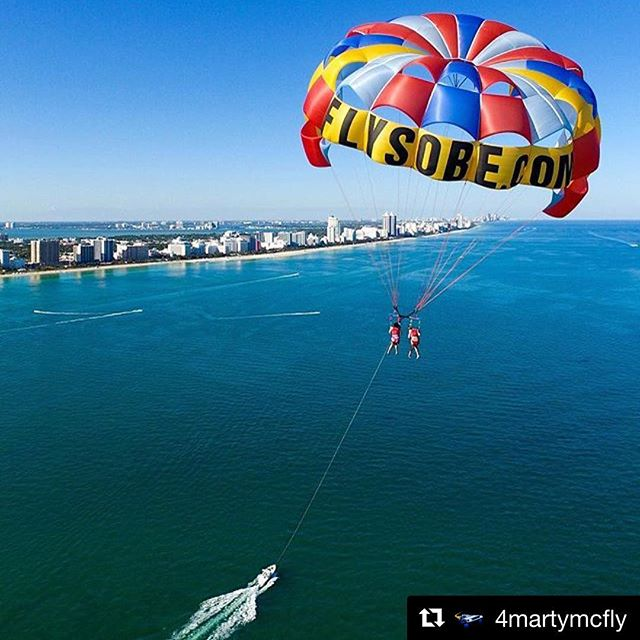 #birdseyeview of the #parasail #birdseyeview great #drone picture from @4martymcfly #parasailing #miami #miamibeach #bucketlist #southbeach #southbeachparasail #customchutes