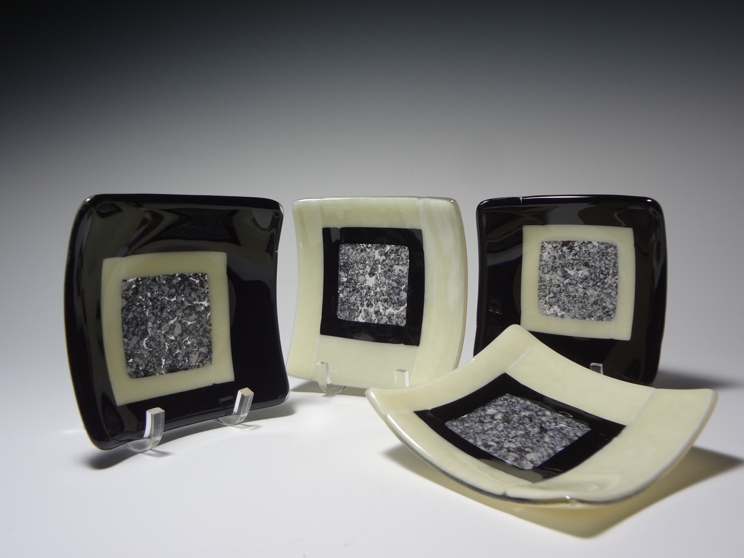 "Pebble Sushi Dishes<a href=>→</a><strong>5"" x 5"" $45 Each</strong>"