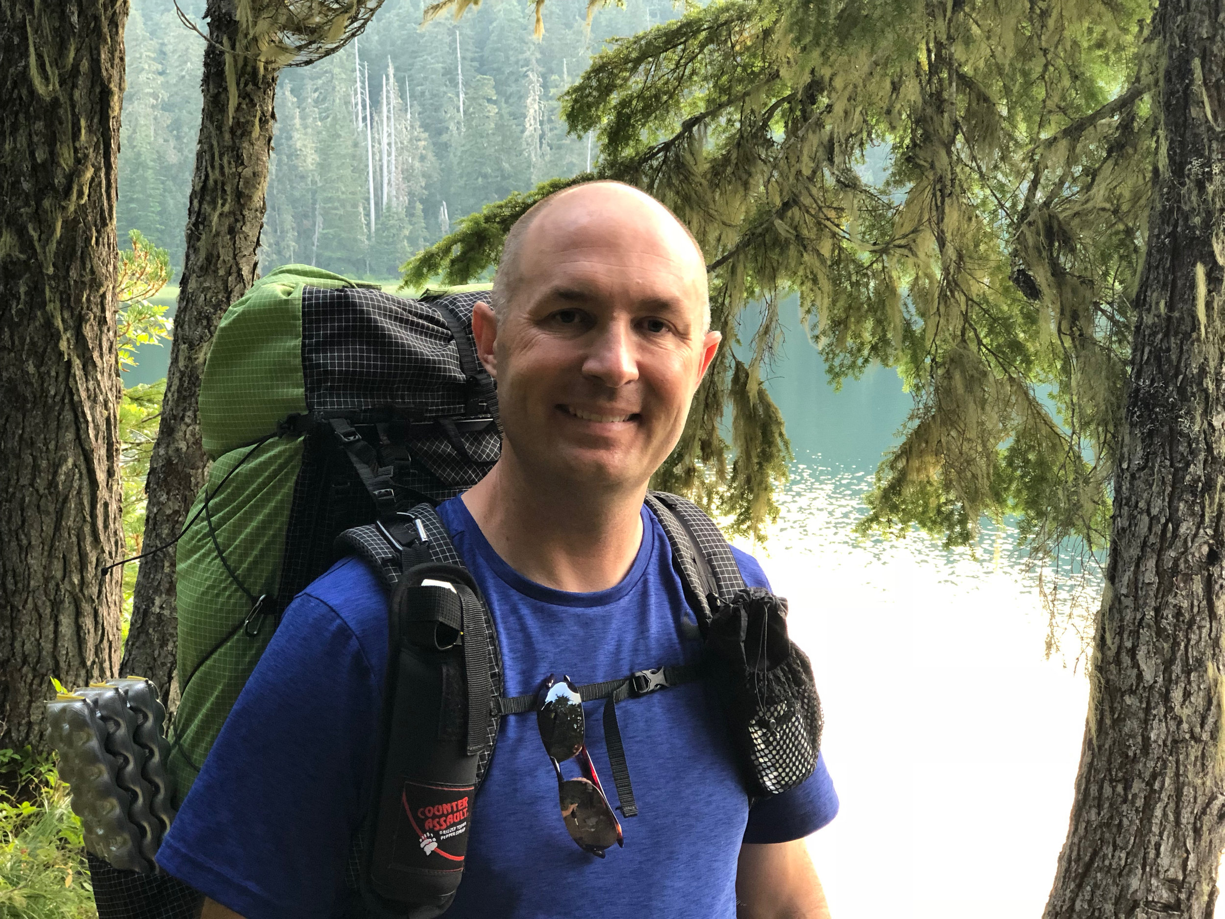 Hiking Twin Lakes, Mount Hood Wilderness. (2018)