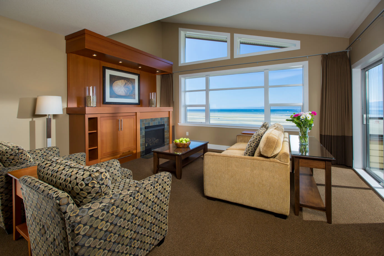Parksville Hotels | Parksville Hotels - The Beach Club Resort