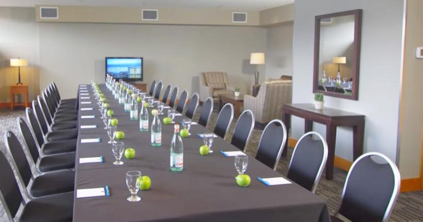 Beach-Club-business-meeting-0cean-views