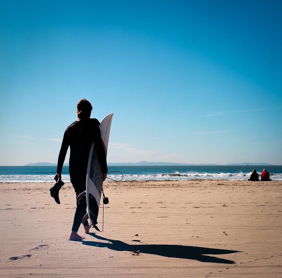 Blain_Surf_Walking.jpg