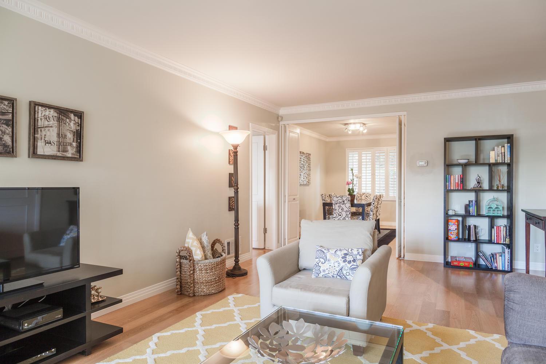 1219 Sunset Plaza Dr Unit 2-large-003-8-Living Room-1500x1000-72dpi.jpg