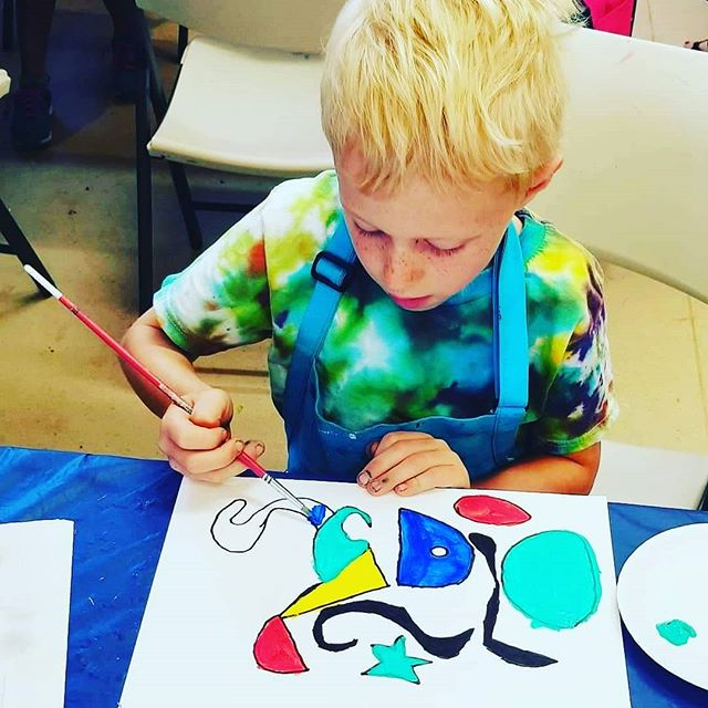 Summer Camp is filling up! Make sure to register your child for Art Explorers fun! Link in bio #summercamp #artexplorers #summerfun #studiolife #artlife #artlifelombard