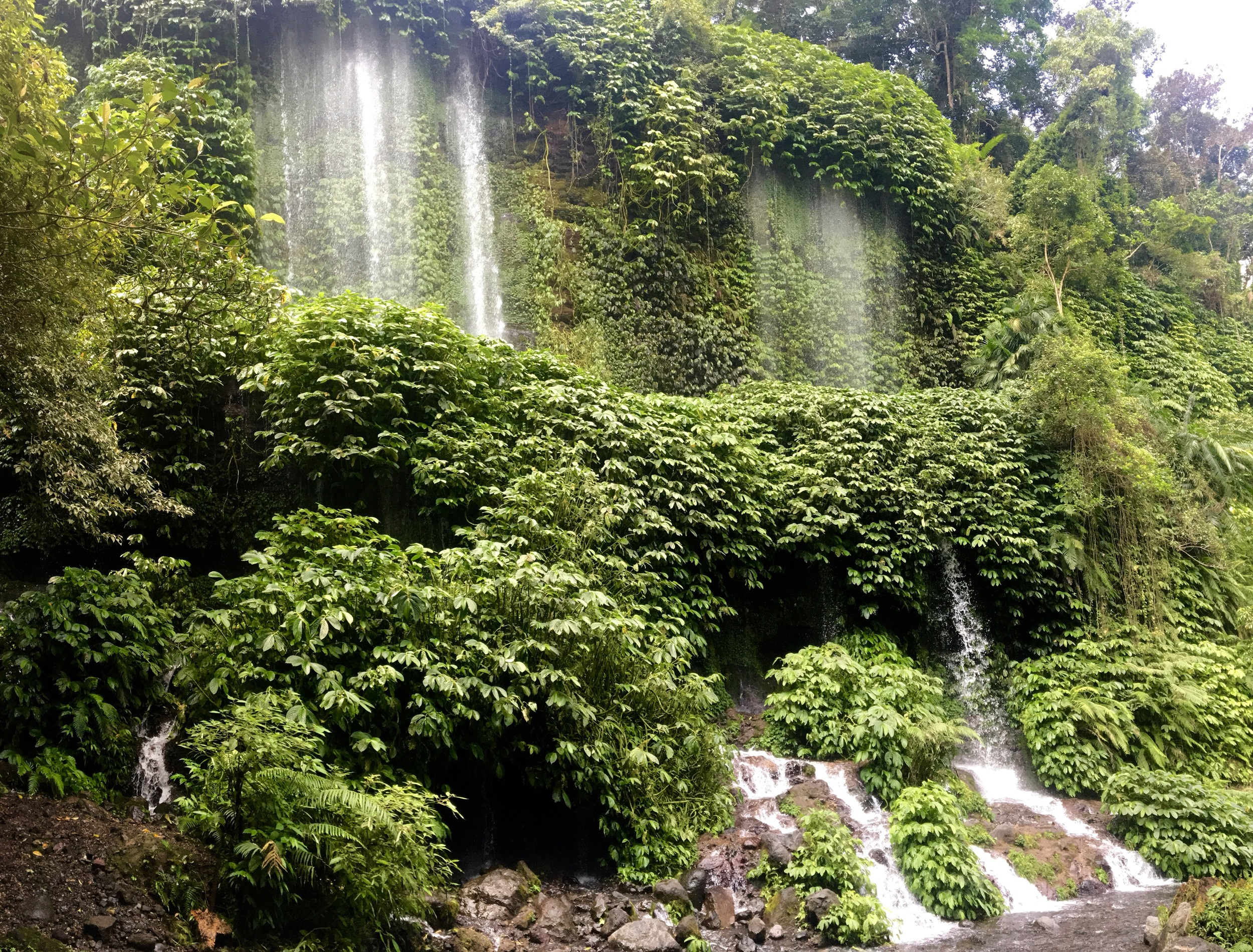 Curtain waterfalls