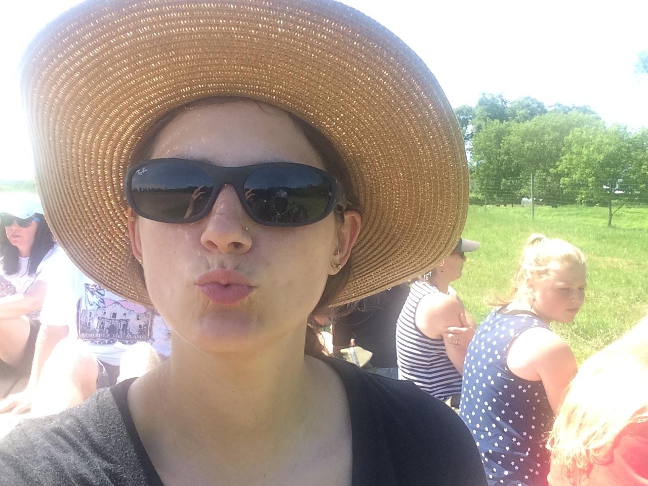 AMAZING Turnip Rock farmer, Hannah, on the wagon tour.