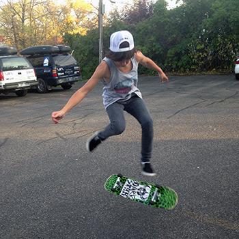 raven-skateboard1.jpg