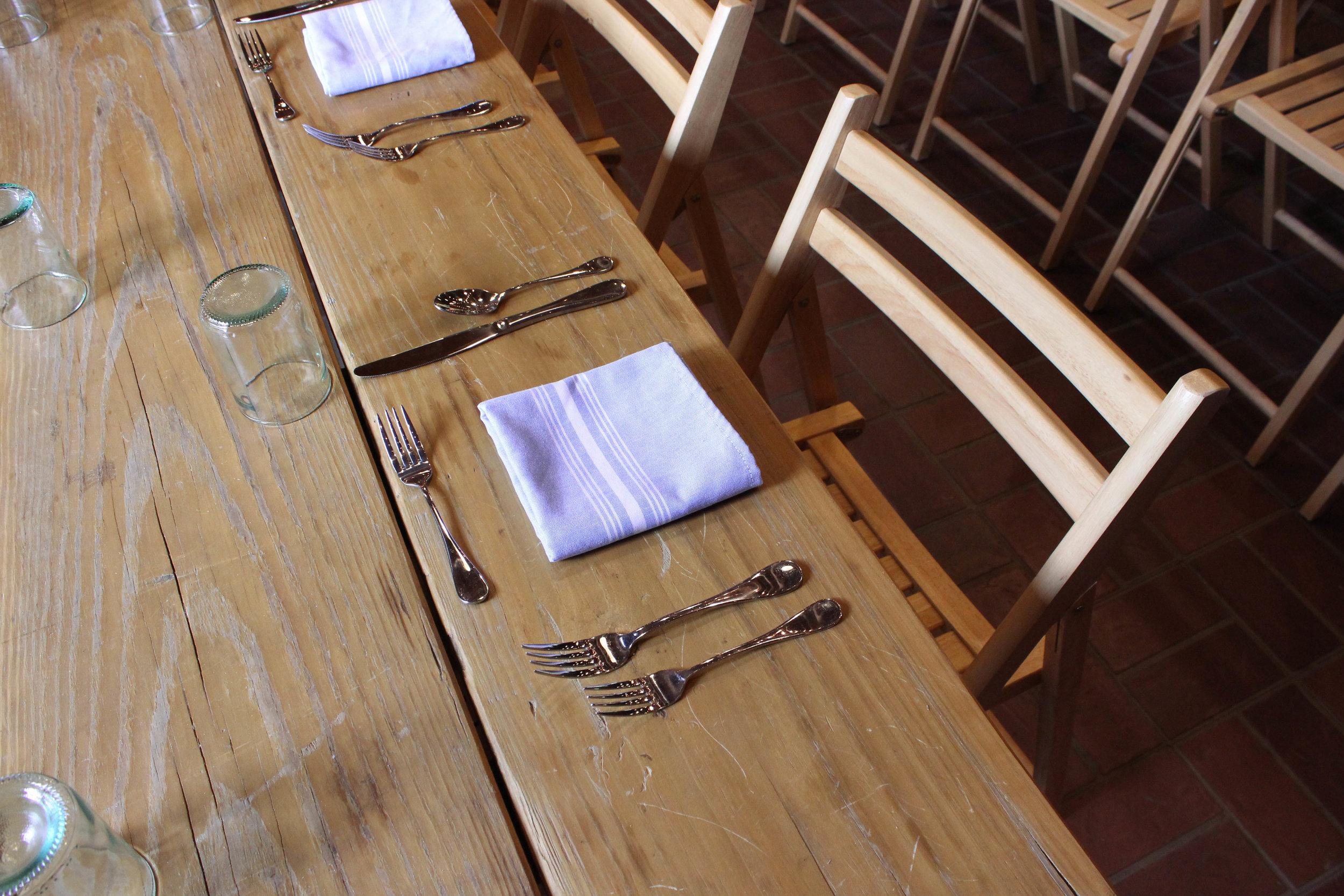 dinner-table-silverware-4735.jpg