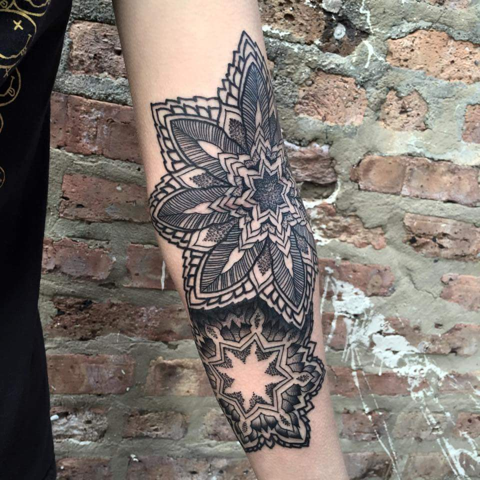 mandala-geometric-Tattoo-blackandgrey-linework-detail-LA-LosAngeles-besttattoo-besttattooartist-besttattooartists-top-pictures-images-photo-tat-ink-inked-tinedefiore-guestartist-rabblerousertattoo
