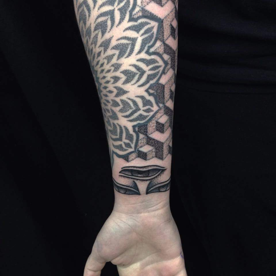 forearm-Tattoo-blackandgrey-linework-detail-LA-LosAngeles-besttattoo-besttattooartist-besttattooartists-top-pictures-images-photo-tat-ink-inked-tinedefiore-guestartist-rabblerousertattoo