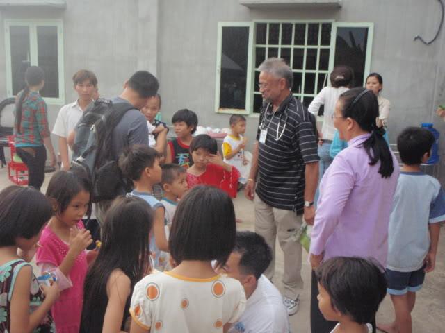 VietNamMedicalmissionmar09122.jpg