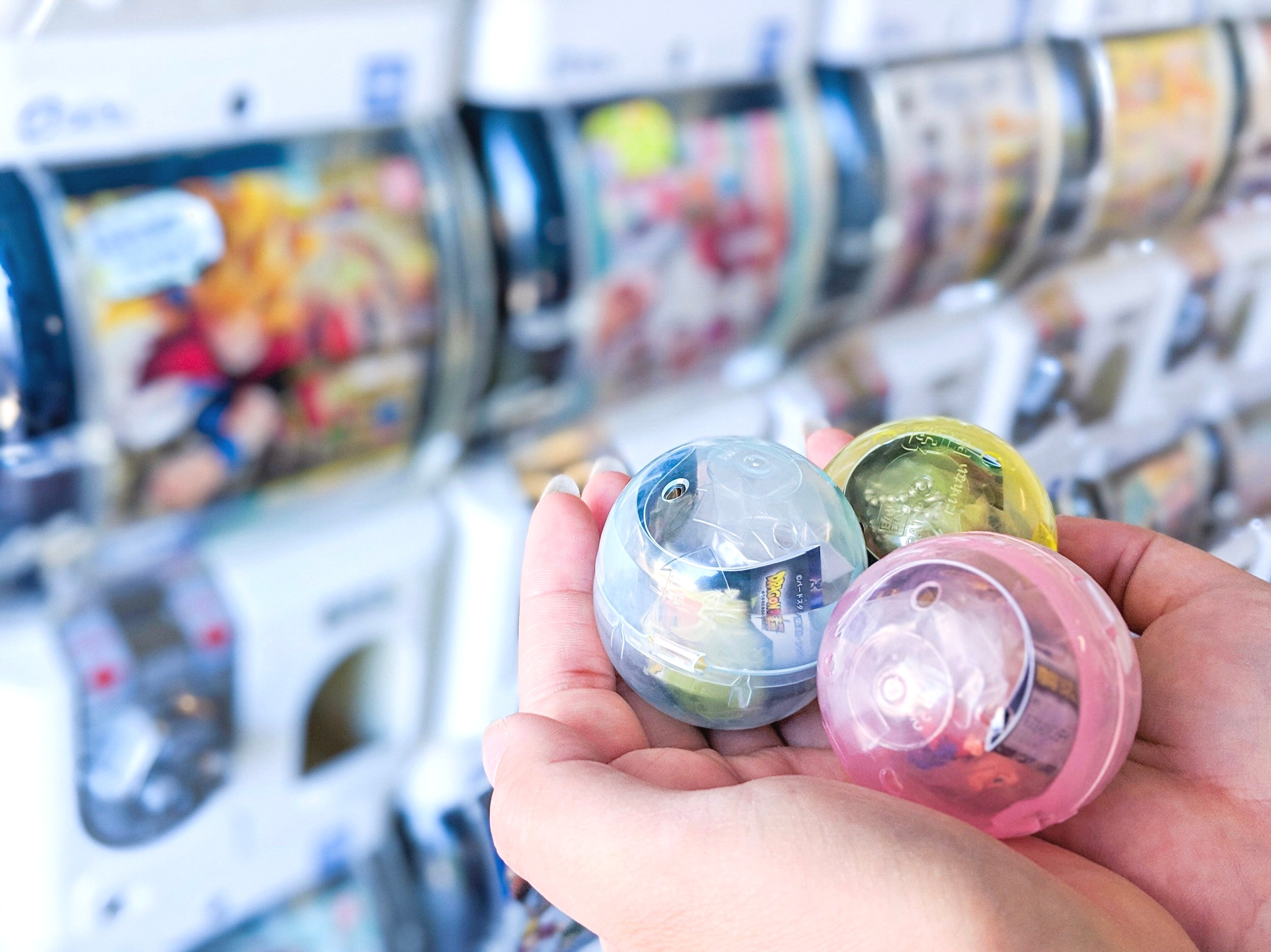 Gachaphon toys in capsules. Image from  @gacha.x2 .
