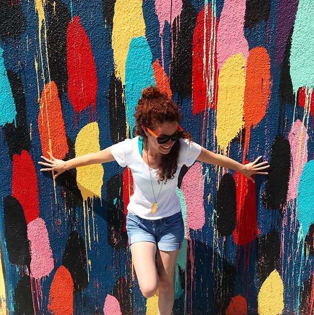 Beating the #mondayblues with a little bit of color 🌈 . . . #mondaymotivation #mondaymood #colorful #colorful_shots #colorfulphotography #dangerbird #actorslife #curlyhair #curlyredhair #curlsfordays #curlyhairdontcare #curlyhaireverywhere #redhairdontcare #redhead #lalife #silverlakeadventures #laadventures