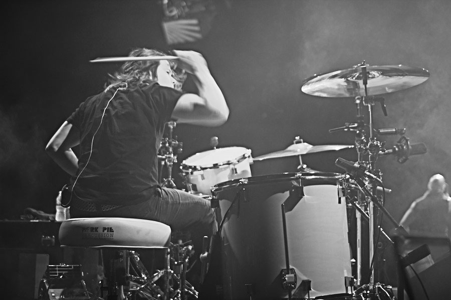 Robin-Diaz-Smashing-Cymbals-Live.jpg