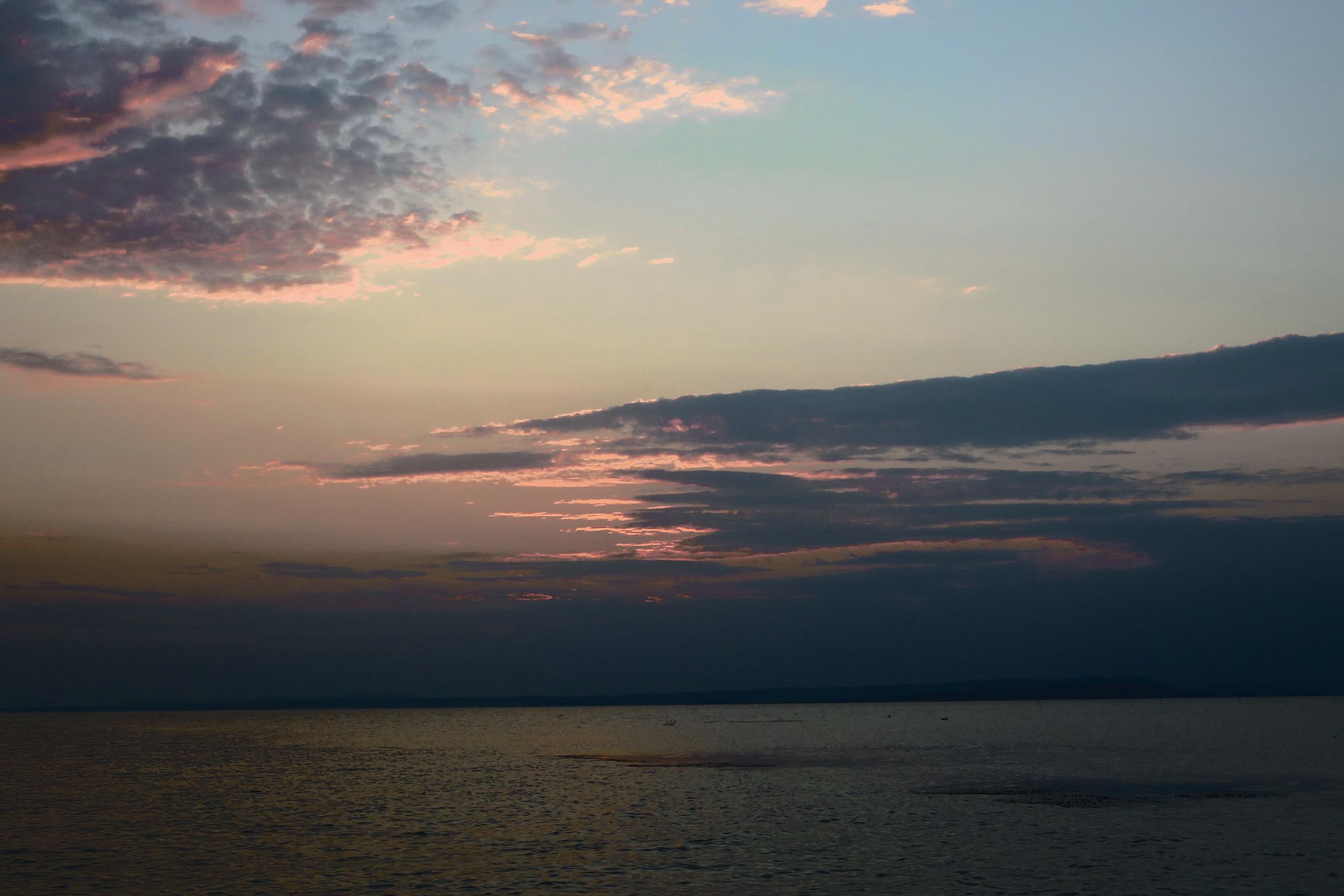 I nsula Popina  la apusul soarelui (vedere dinspre Complexul Delta Paradis)