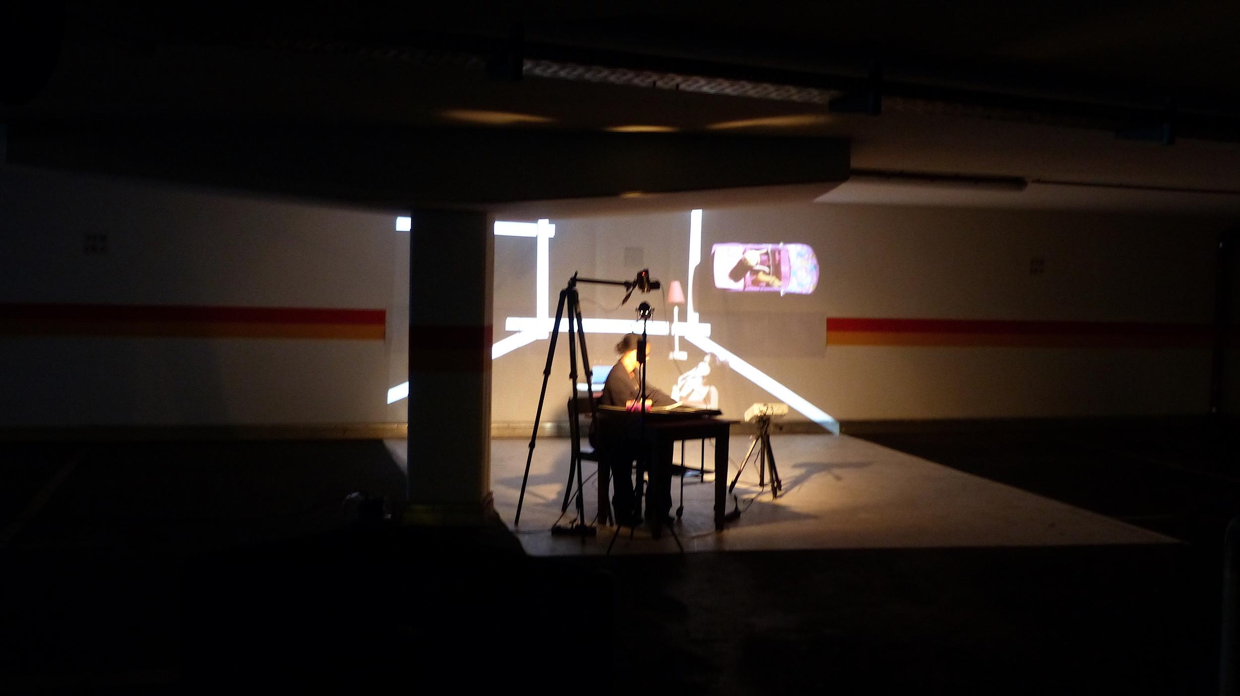 Installation Performance mit Regina Advento