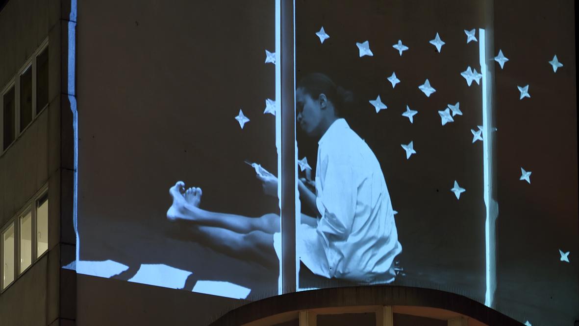 42xxx Kai Fobbe Regina Advento  Video Installation Herzogstr. b Public Art