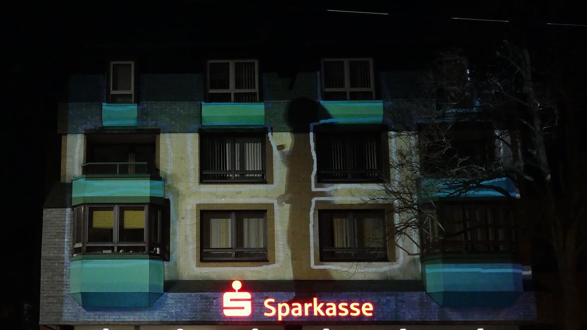 42xxx Kai Fobbe Regina Advento  Video Installation Sparkasse Wichlinghausen Public Art
