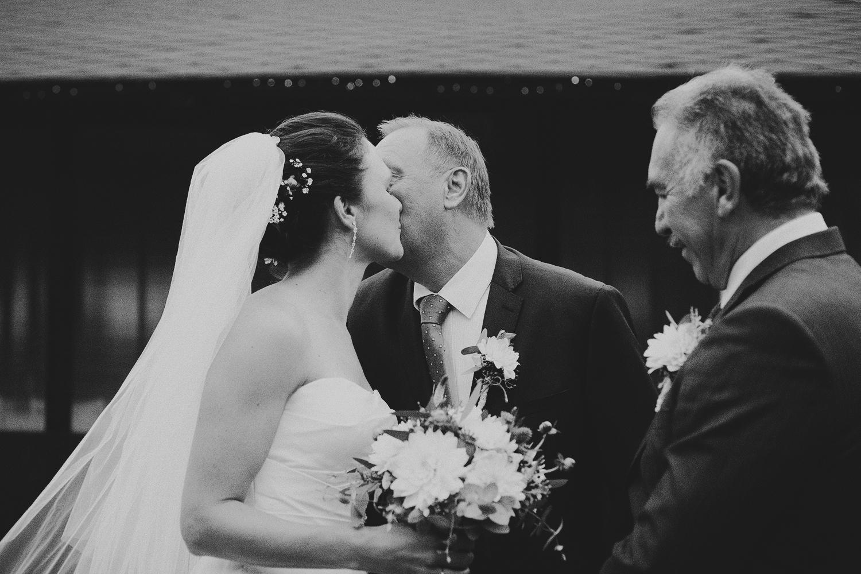 lobian_photography_rustical_wedding (52).jpg