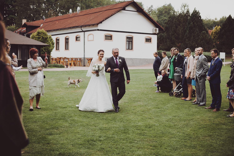 lobian_photography_rustical_wedding (53).jpg