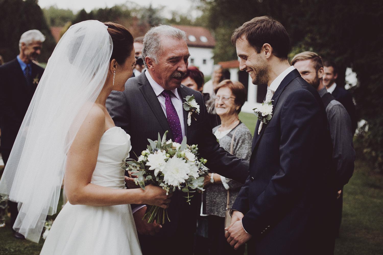 lobian_photography_rustical_wedding (55).jpg