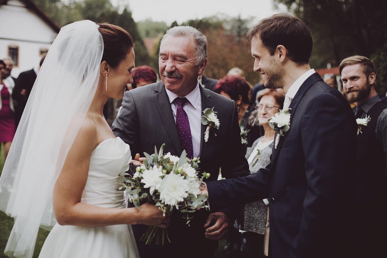 lobian_photography_rustical_wedding (56).jpg