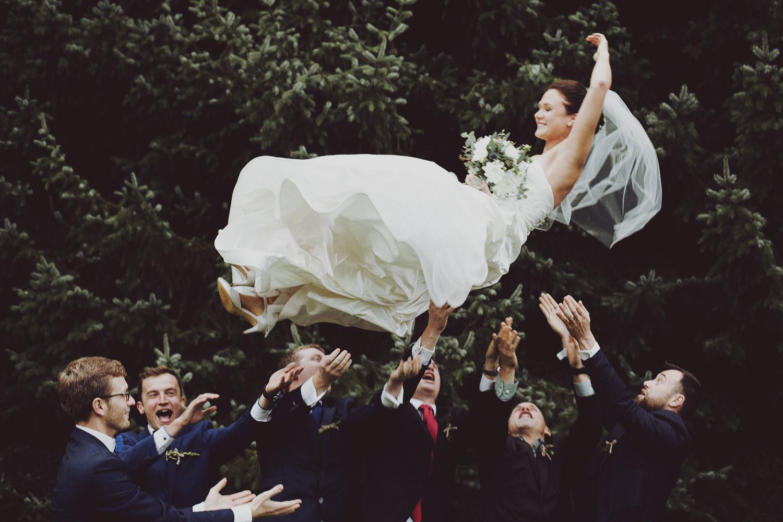 lobian_photography_rustical_wedding (80).jpg