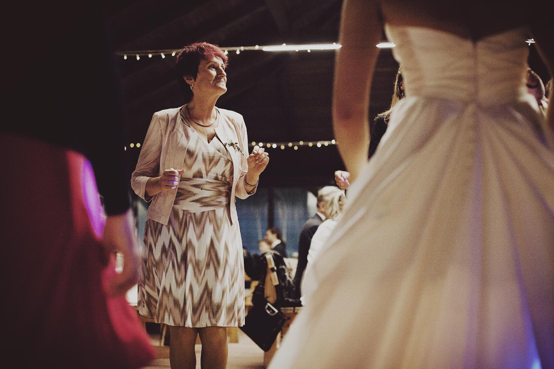 lobian_photography_rustical_wedding (122).jpg