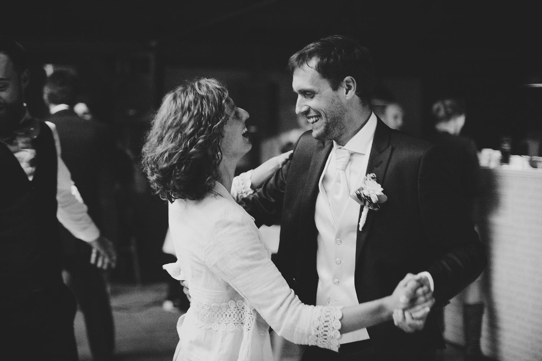 lobian_photography_rustical_wedding (127).jpg