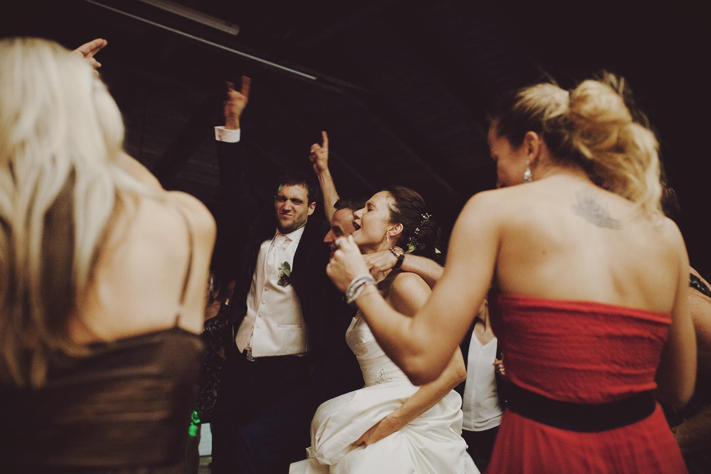 lobian_photography_rustical_wedding (140).jpg