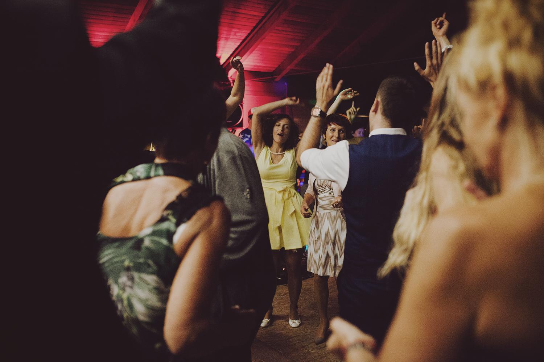 lobian_photography_rustical_wedding (142).jpg