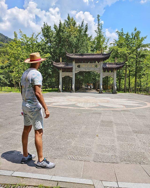 Marlboro man meets Indiana Jones 🕵️ #wuxi #china . . #earth_shotz #temple #chinatravel #chinesetourism #outdoor #trek #asia #dynasty #indianajones #adventure #explore #ourplanetdaily #roamtheplanet #traveldiaries #travelers #travelchina #travelchannel #bluskies