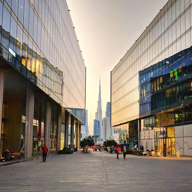 Dubai Design District #d3 😍 . . #burjkhalifa #goldenhour #mydubai #dubai #dubaicity #dubai❤️ #sunsetskies #dubaiwinter #uae #architecture #dubaidesign #igersdubai #dailydubai #views #cityscape #downtowndubai
