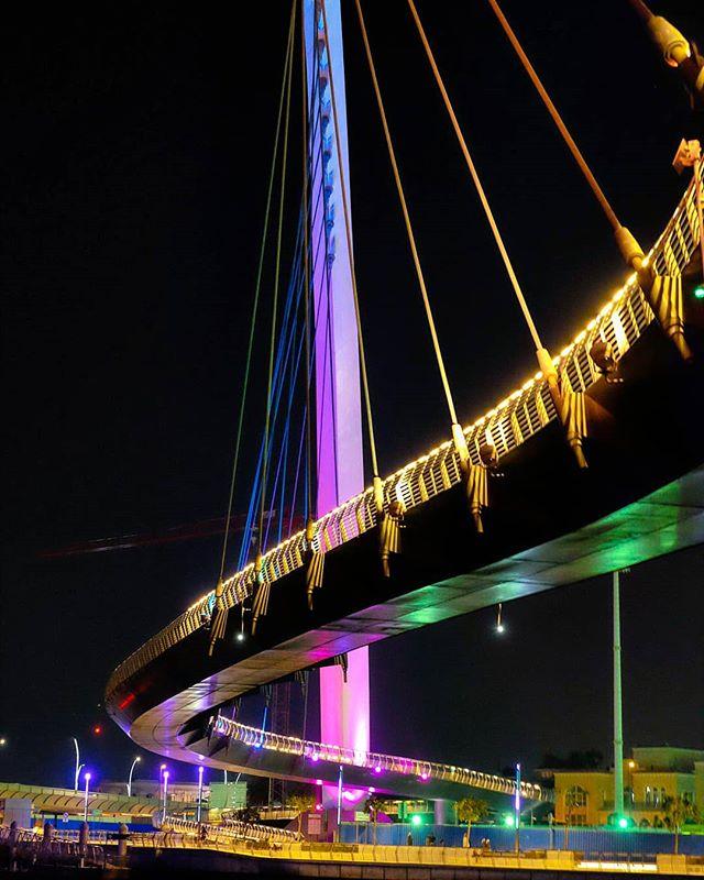 Dubai Canal 🌉 . . #tolerancebridge #dubai #mydubai #dubaicity #dubainight #bridge #mydsf #mydxb #visitdubai #dubaiwatercanal #uae #dubaipics #dubaicity #dubai🇦🇪