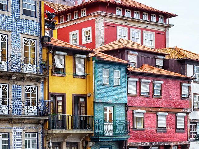 In love with Porto.. 😍🌈 . . . #porto #oporto #portugal #unesco #unescoworldheritage