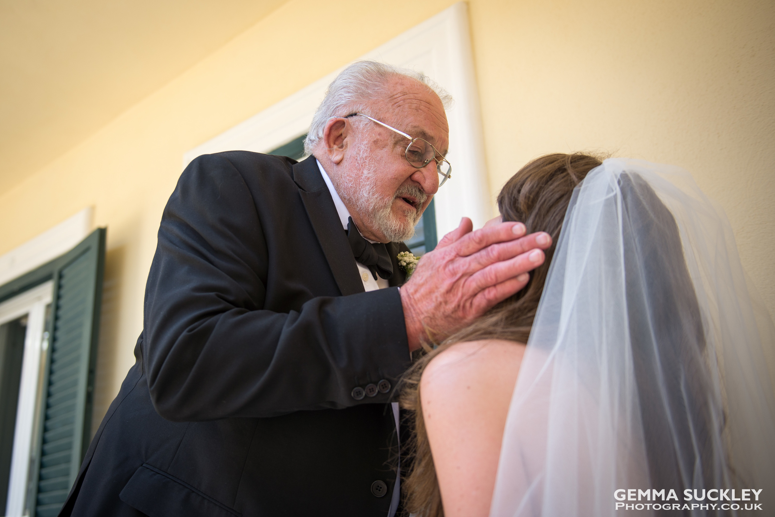 father-of-the-bride-1st-look-gemma-suckley-photography.jpg