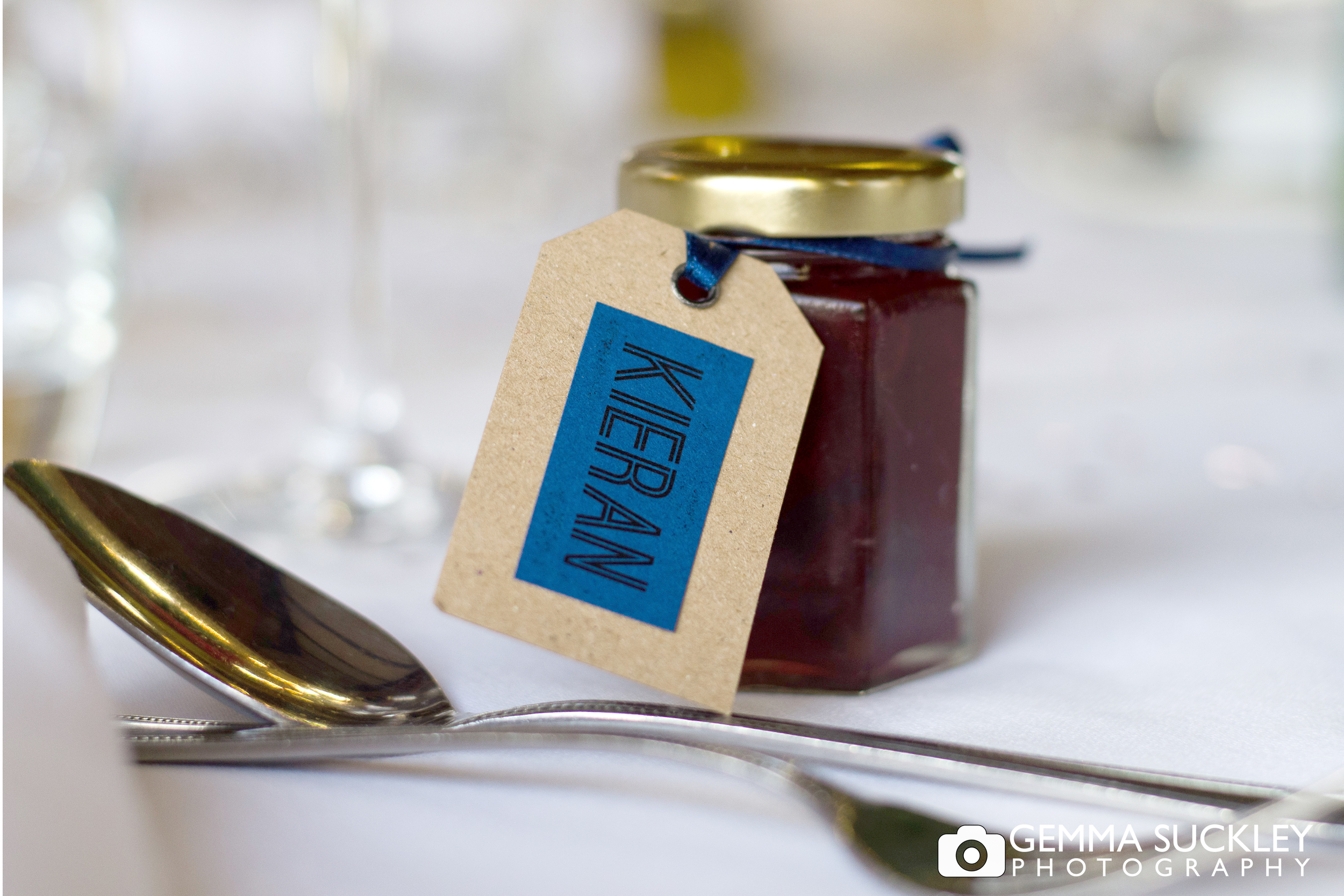 homemade-jam-wedding-favour.jpg