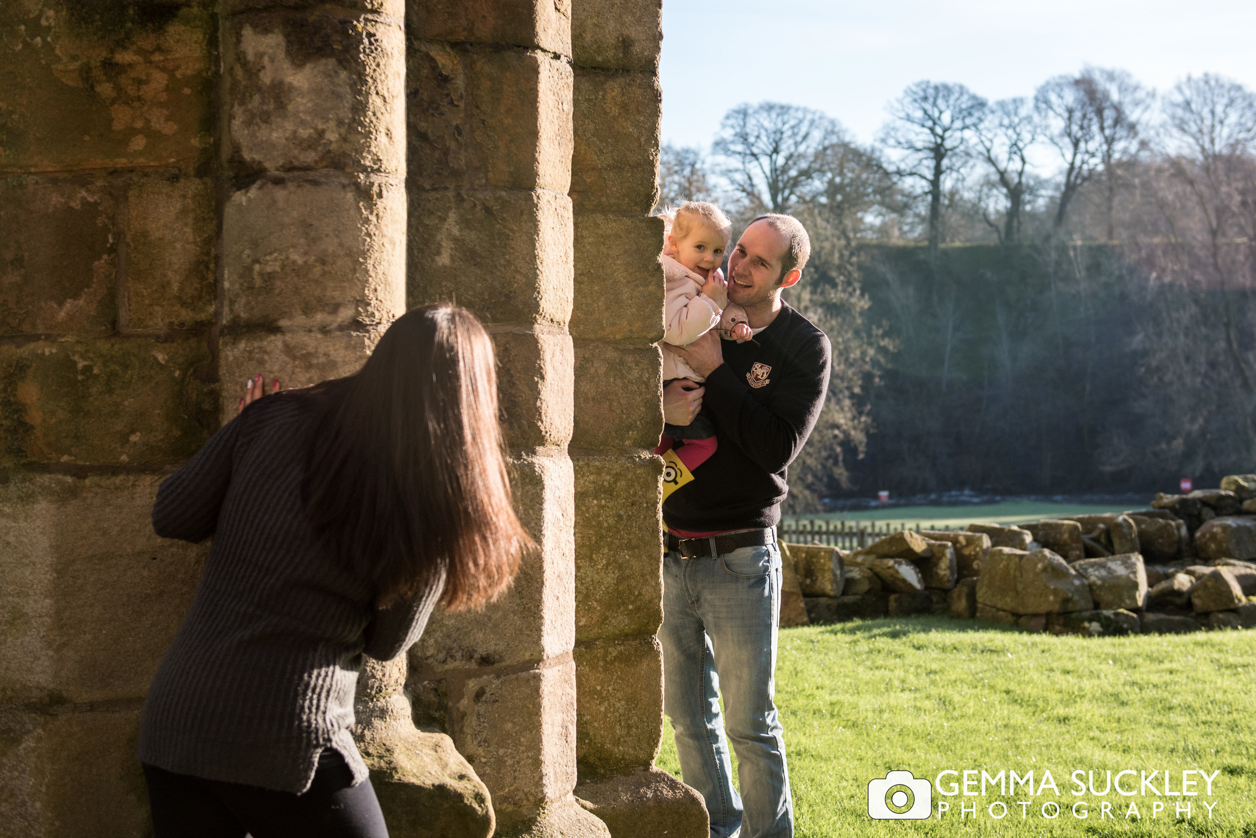 family-photos-bolten-abbey.JPG