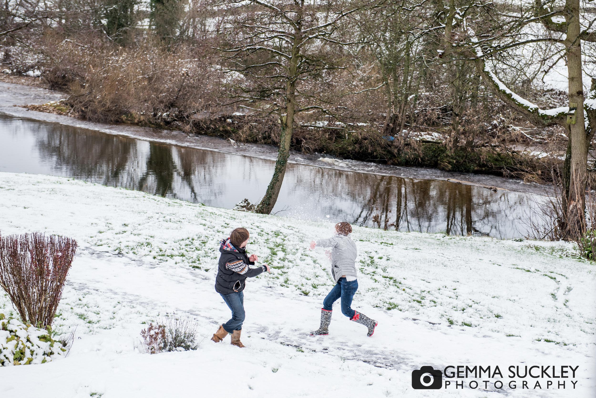 snowy-photo-shoot-addingham .JPG