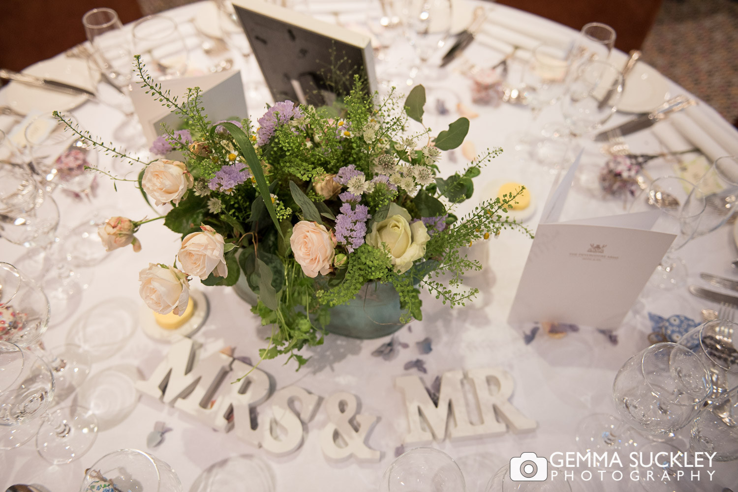 mr-and-mrs-wedding-letters.JPG