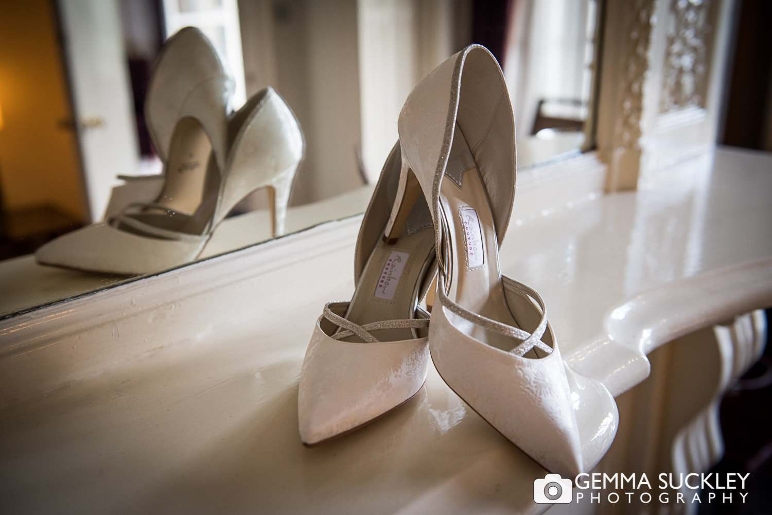 wedding-shoes©gemmasuckleyphotography.JPG