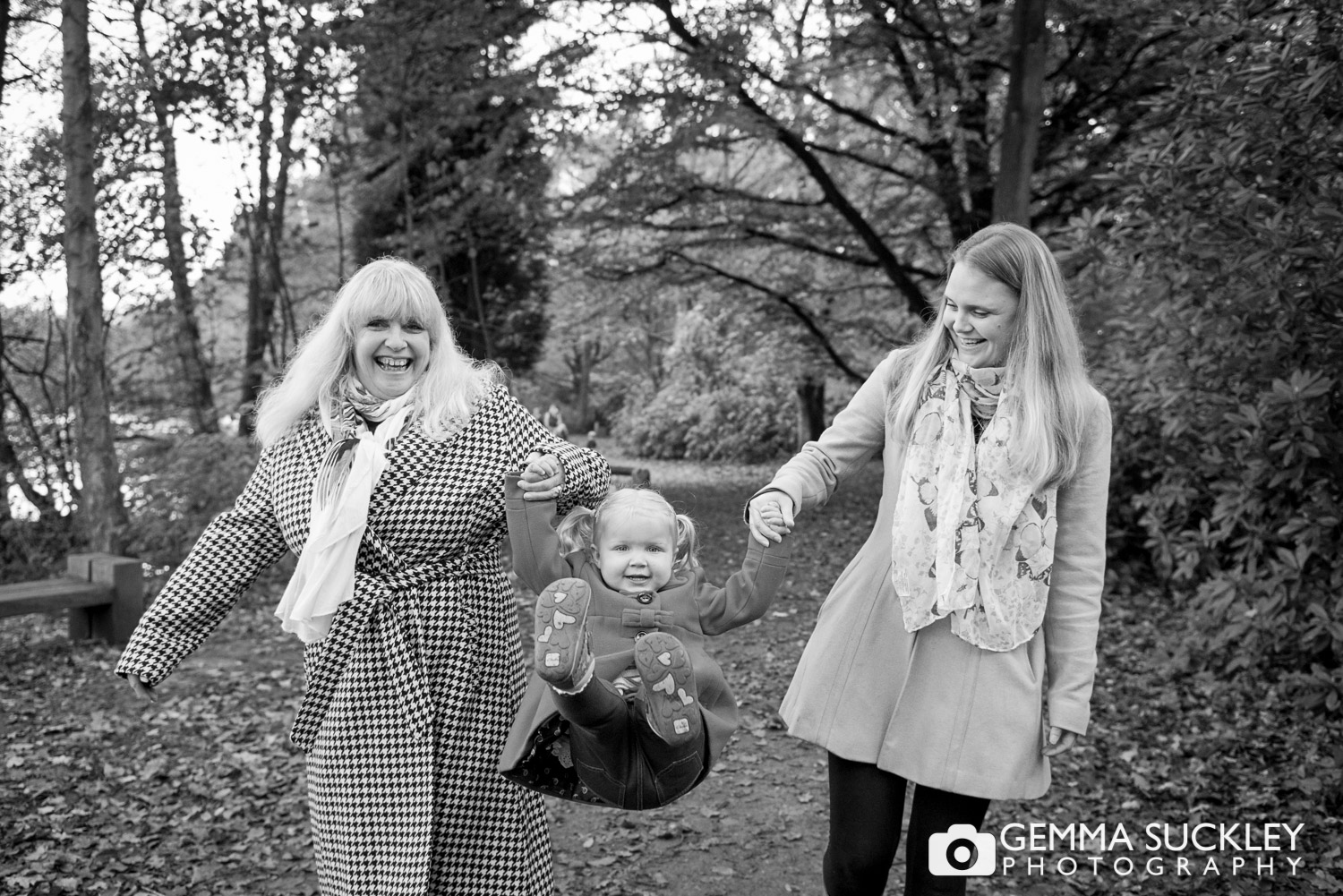 mum-and-daughter-family-photos-yorkshire.JPG